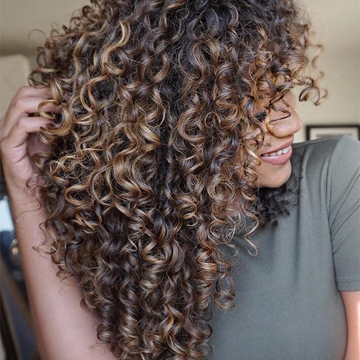 Produtos para cabelos cacheados: 10 produtos maravilhosos para cabelos  cacheados   CLAUDIA