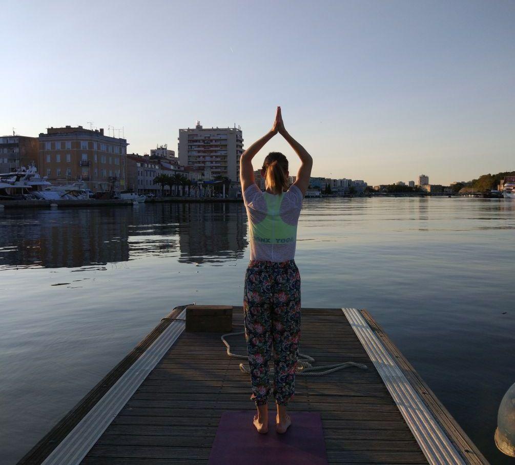 Yoga am Bootssteg