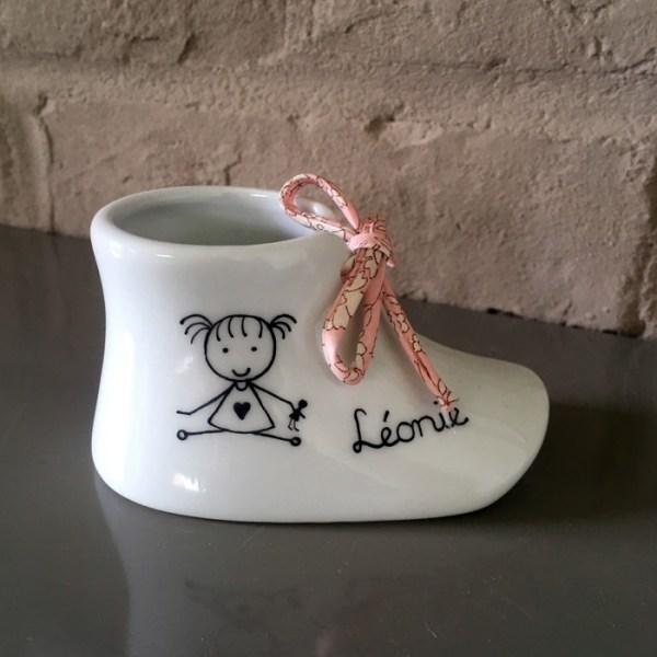 cadeau bapteme chaussure porcelaine fait main