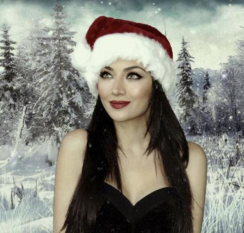 Happy Holiday Quotes Wallpapers Latest News The Most Beautiful Woman In The World