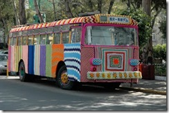 knitta-please-magda-sayeg-bus