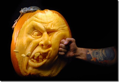 most-amazing-pumpkin-carving-ray-villafane-7