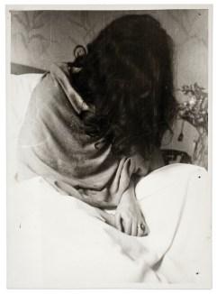 Frida in the New York Hospital by Nickolas Muray, 1946 (©Frida Kahlo Museum)
