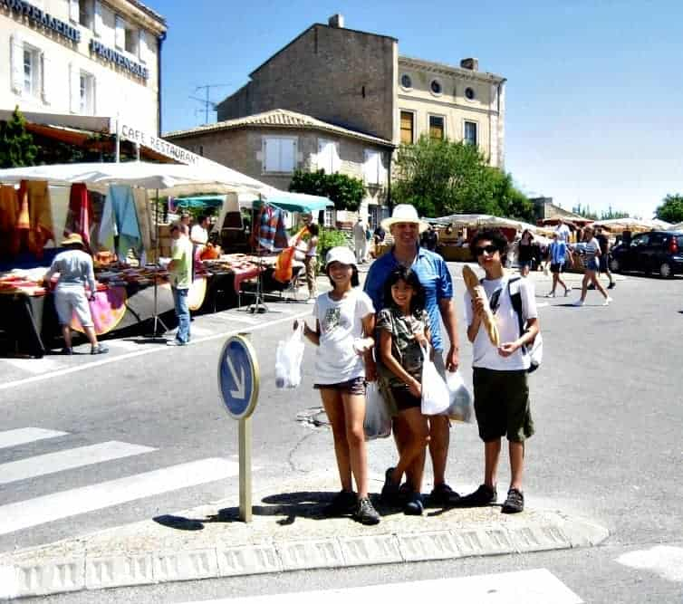 Shopping for picnic supplies in Provence, France (via thetravellingmom.ca)
