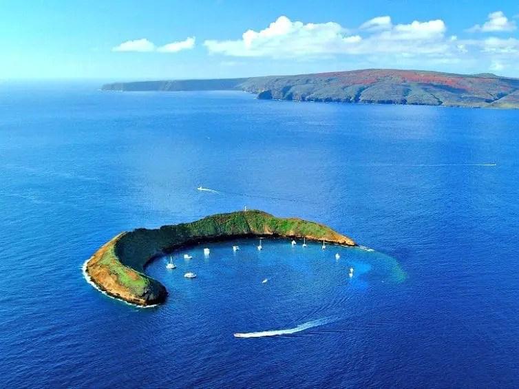 molokini crater near maui