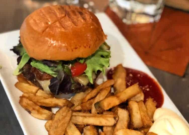 where to eat in sun peaks