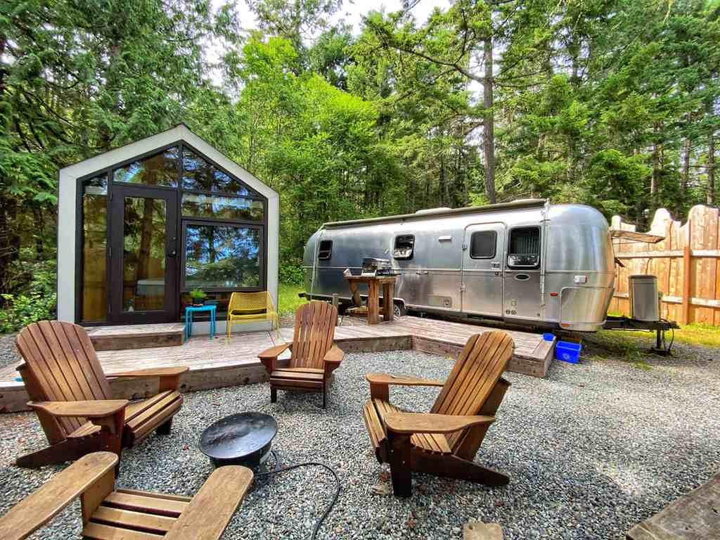 woods on pender bunkie cabin