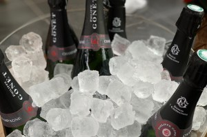 Champagne-toppers