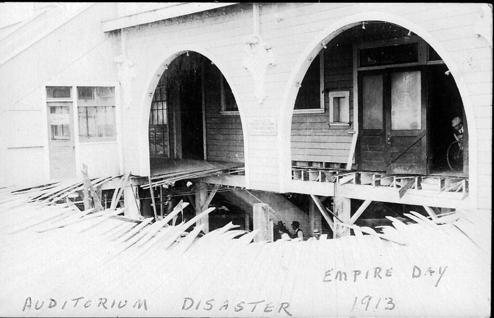 Collapse of the pier on Empire Day May 24, 1913
