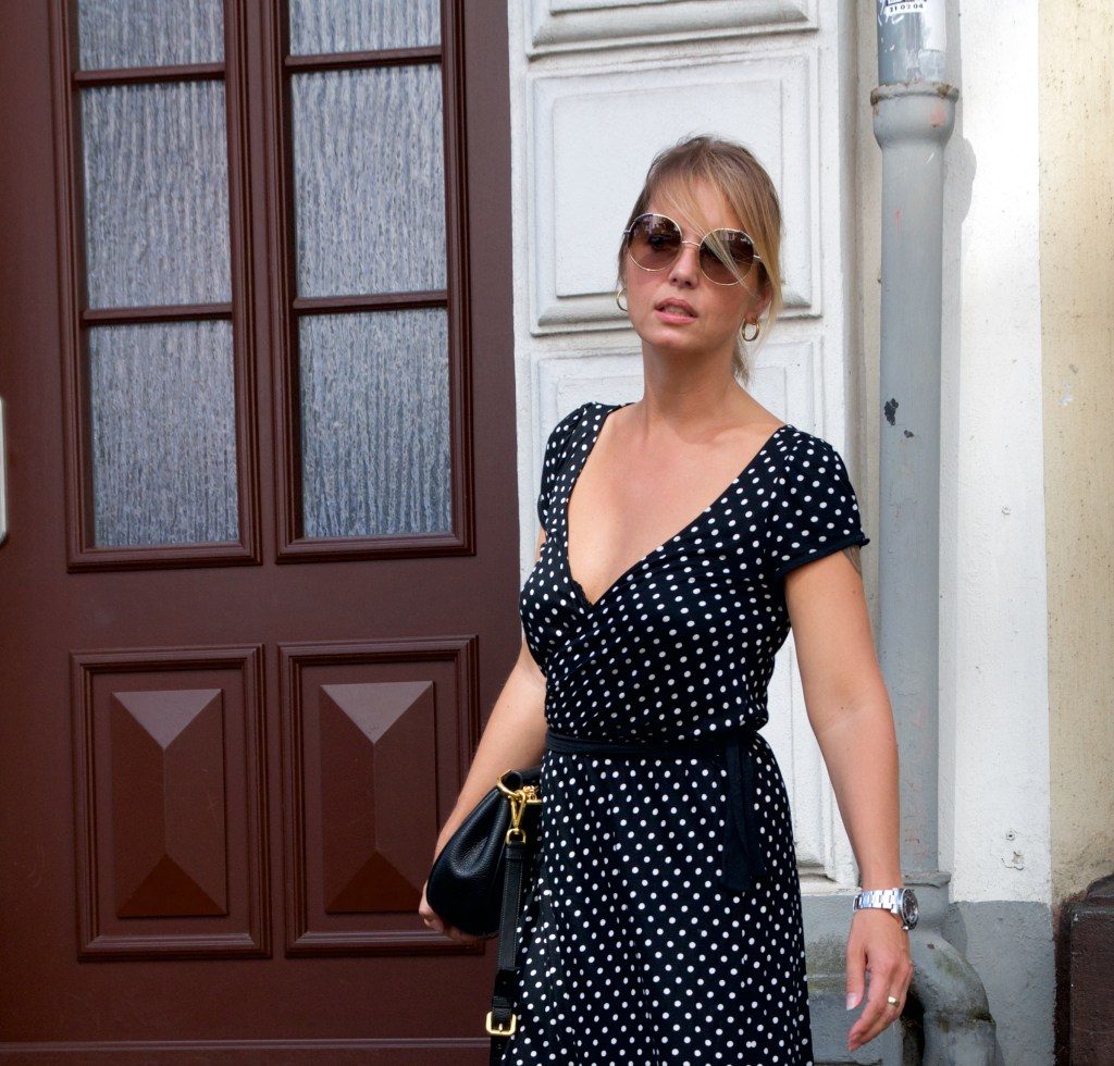 wrap dress with polka dots- a late summer style - claudinesroom