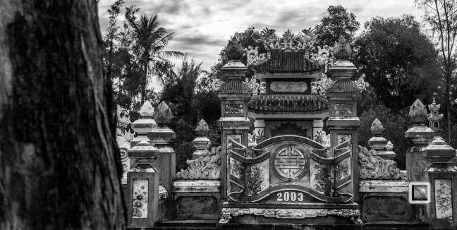 Cementry-Hue_Area-Vietnam-49