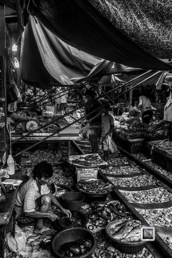 Maeklong Train Market Black and White-20