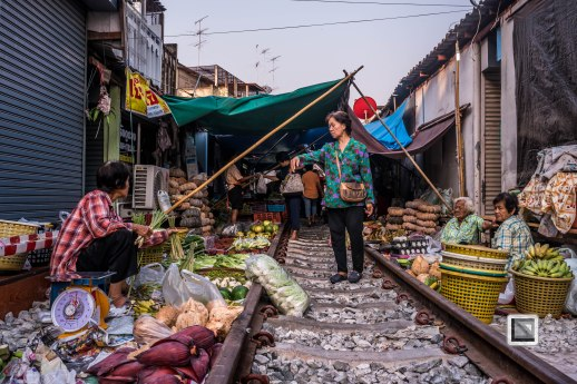 Maeklong Train Market Color-2