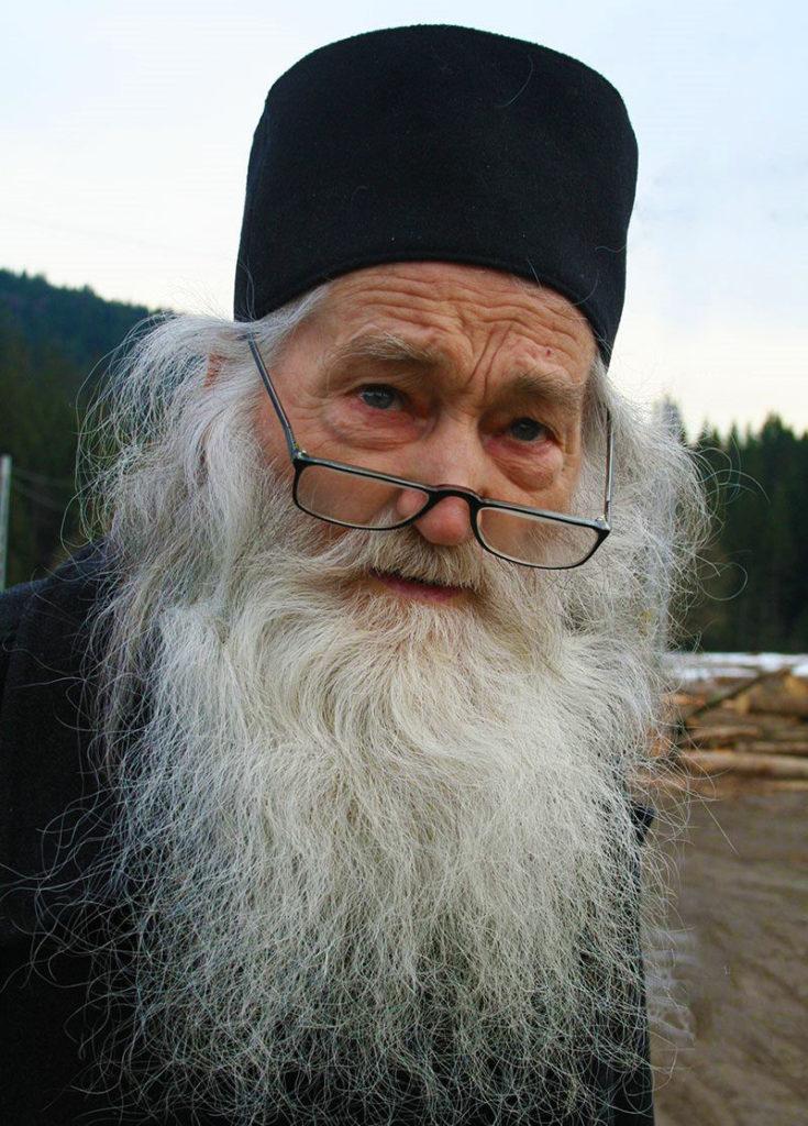 """Părintele Iustin Pârvu: """"Cu post și rugăciune cucerești cerurile ..."""