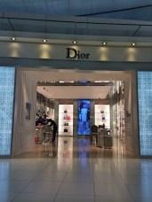 Lojas de Luxo no aeroporto- Photo by Claudia Grunow