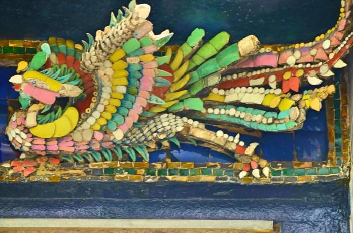 Detalhes nas paredes dos templos - Photo by Claudia Grunow