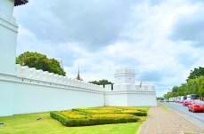 Muralha que cerca o templo - Photo by Claudia Grunow