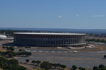 Estádio de futebol Mané Garrincha - Photo by Claudia Grunow