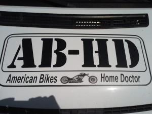 """AB-HD: """"Allo y a Bobo à ma Harley Davidson?"""" Non:  American Bikes Home Doctor."""