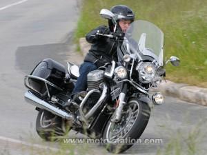 Mais pourquoi tu fais ça, à Moto-station (site fort complet au demeurant): tu as peur de tomber sur la tête en Bagger?