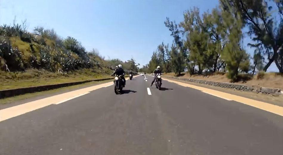 foot salut moto pied