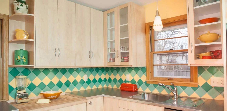 on pointe mid century modern kitchen