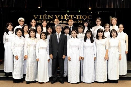 Ban Hợp-Xướng Câu-Lạc-Bộ Văn-Nghệ Viện Việt-Học