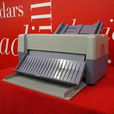 Caslon Mini Zip Business Card Cutter