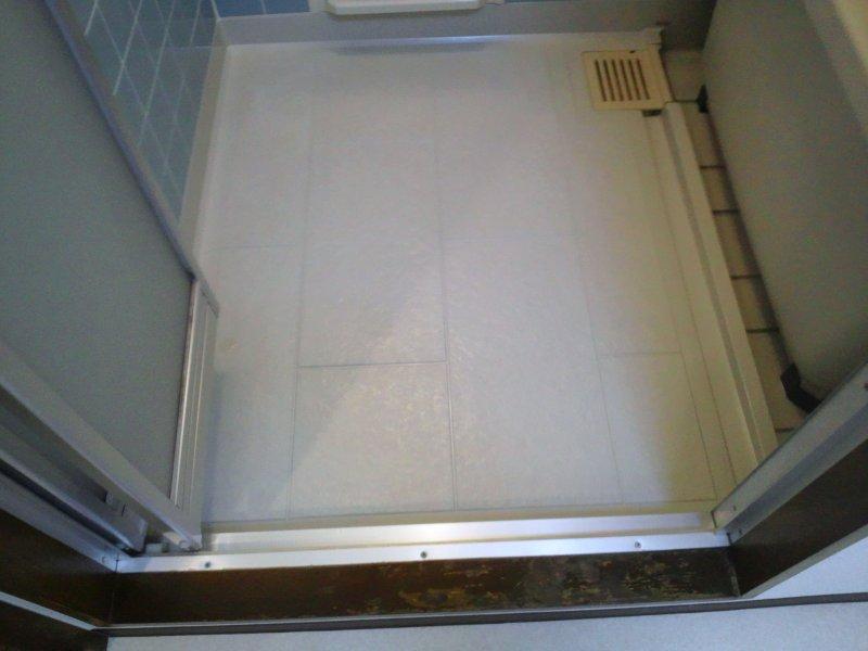 お風呂とフローリングの剥離洗浄