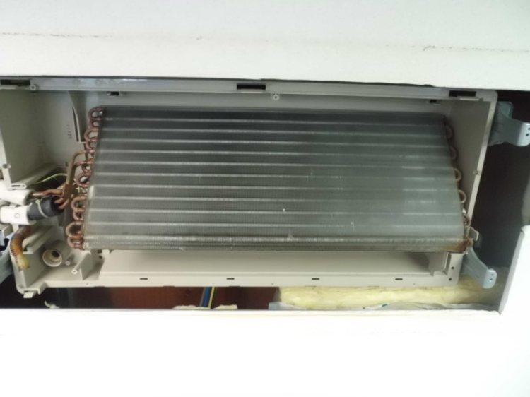 GHP 家庭用天井カセット型エアコンのクリーニング