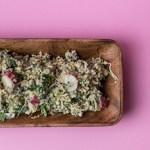Schnelle Quinoa Kräuter - Sprossen Bowl