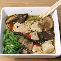 Spicy Ramen Noodles with Tofu or Chicken