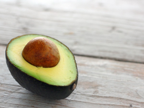 white bean & avocado roll ups