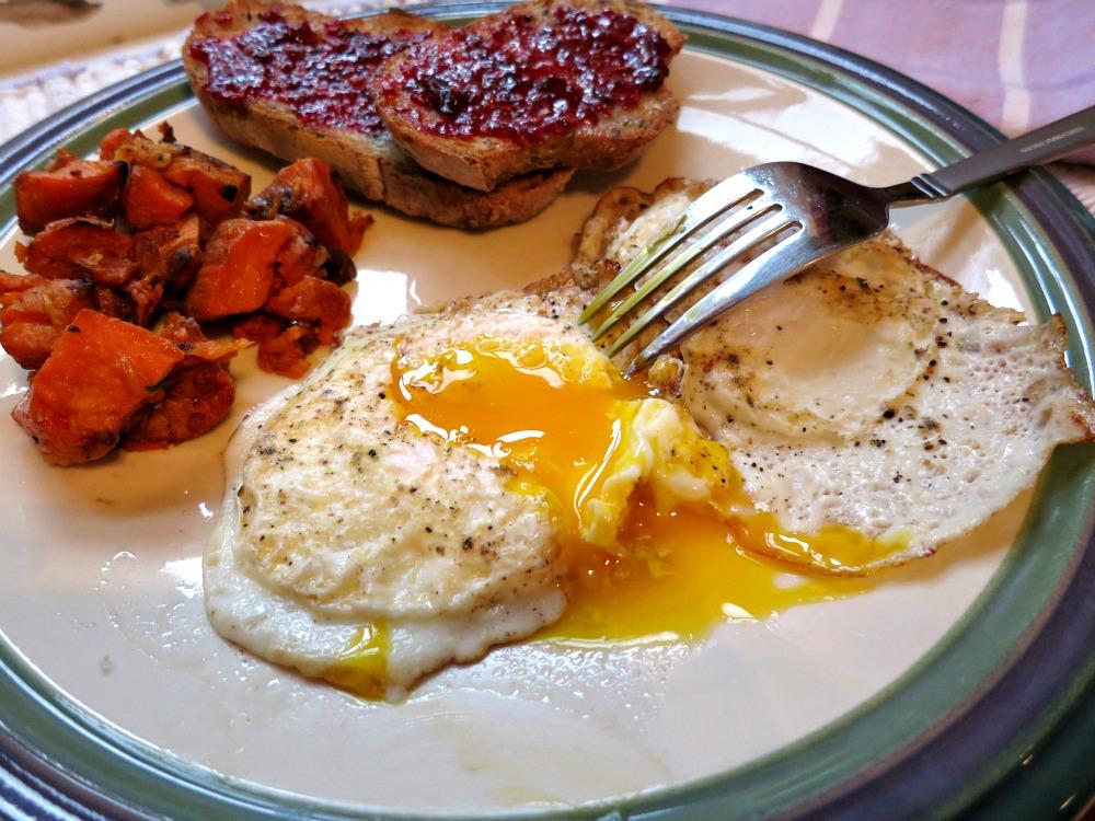Fried Eggs, Sweet Potatoes and Multigrain Toast