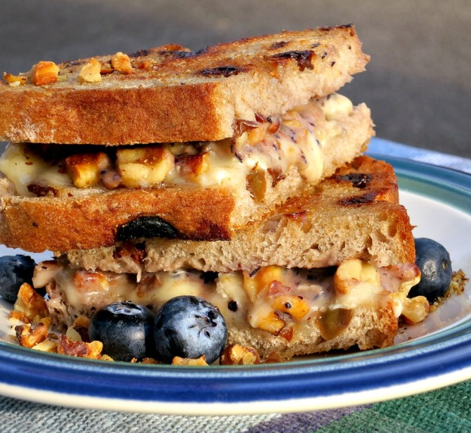 Grilled Cheese with Blueberry Sauce, Brie and Walnuts on Cinnamon Raisin Bread