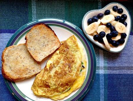 Ramp Omelet and Bananas and Blueberries