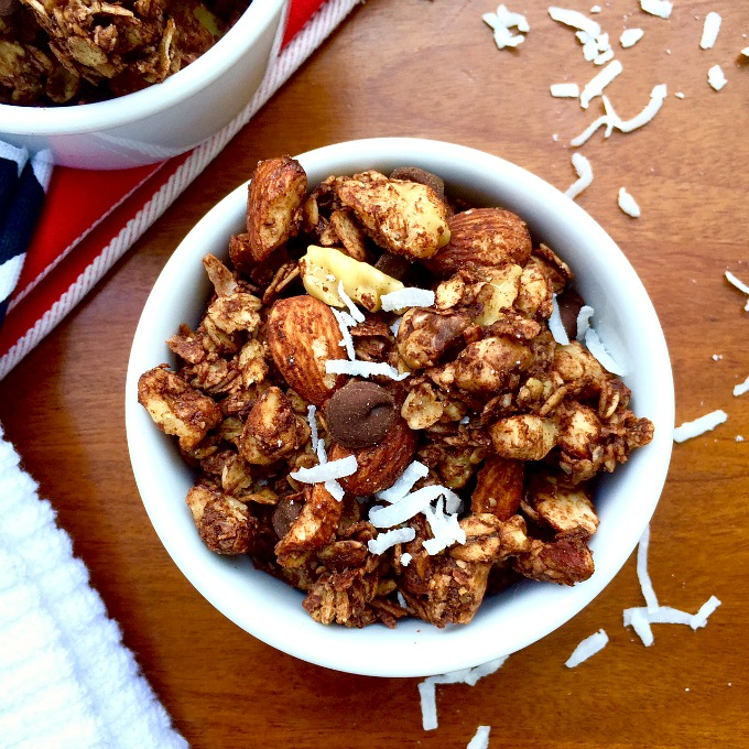 Double Chocolate Coconut Dessert Granola DE