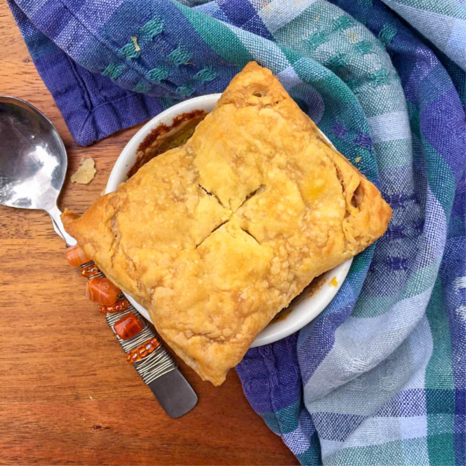This healthy vegetable pot pie is packed with canned veggies and topped with a puff pastry crust, which means it comes together quickly and without much effort. The end result is a bowl of a comfort and a warm hug on a cold day.