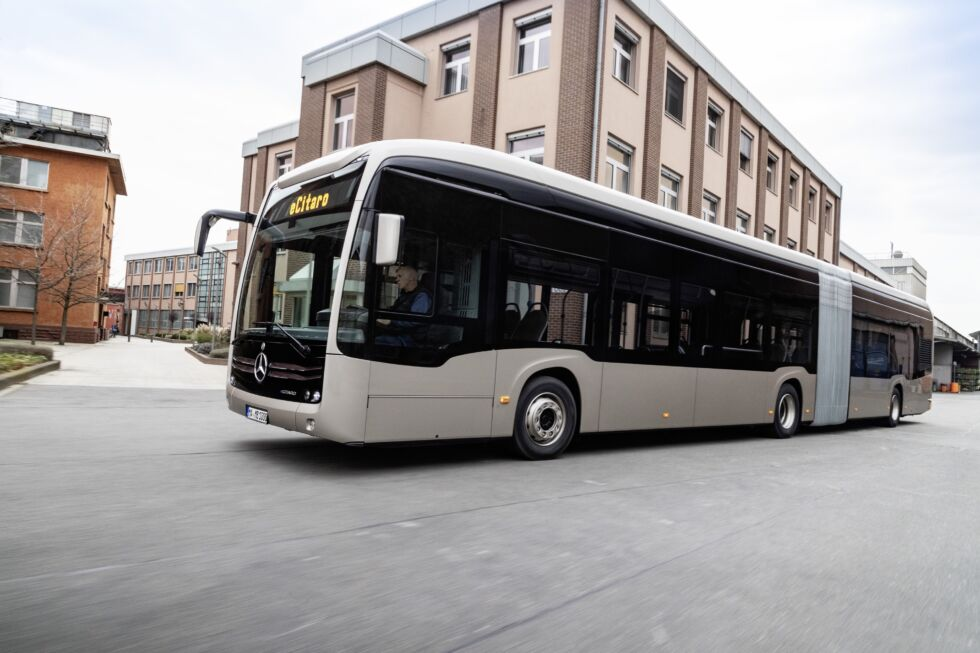 Mercedes-Benz's newest electric city bus uses solid-state batteries