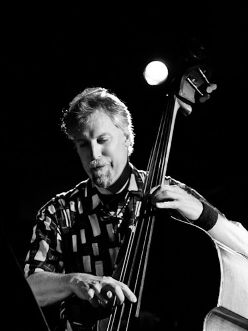 Chicago Reader – Bassist John Lindberg drops two new trio albums