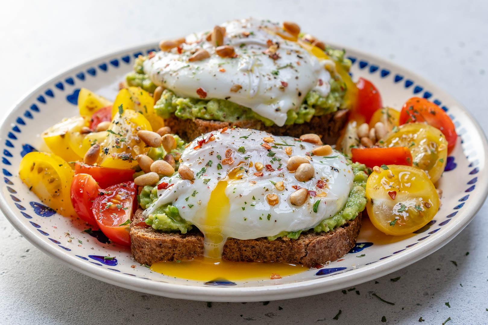 easy poached egg avocado