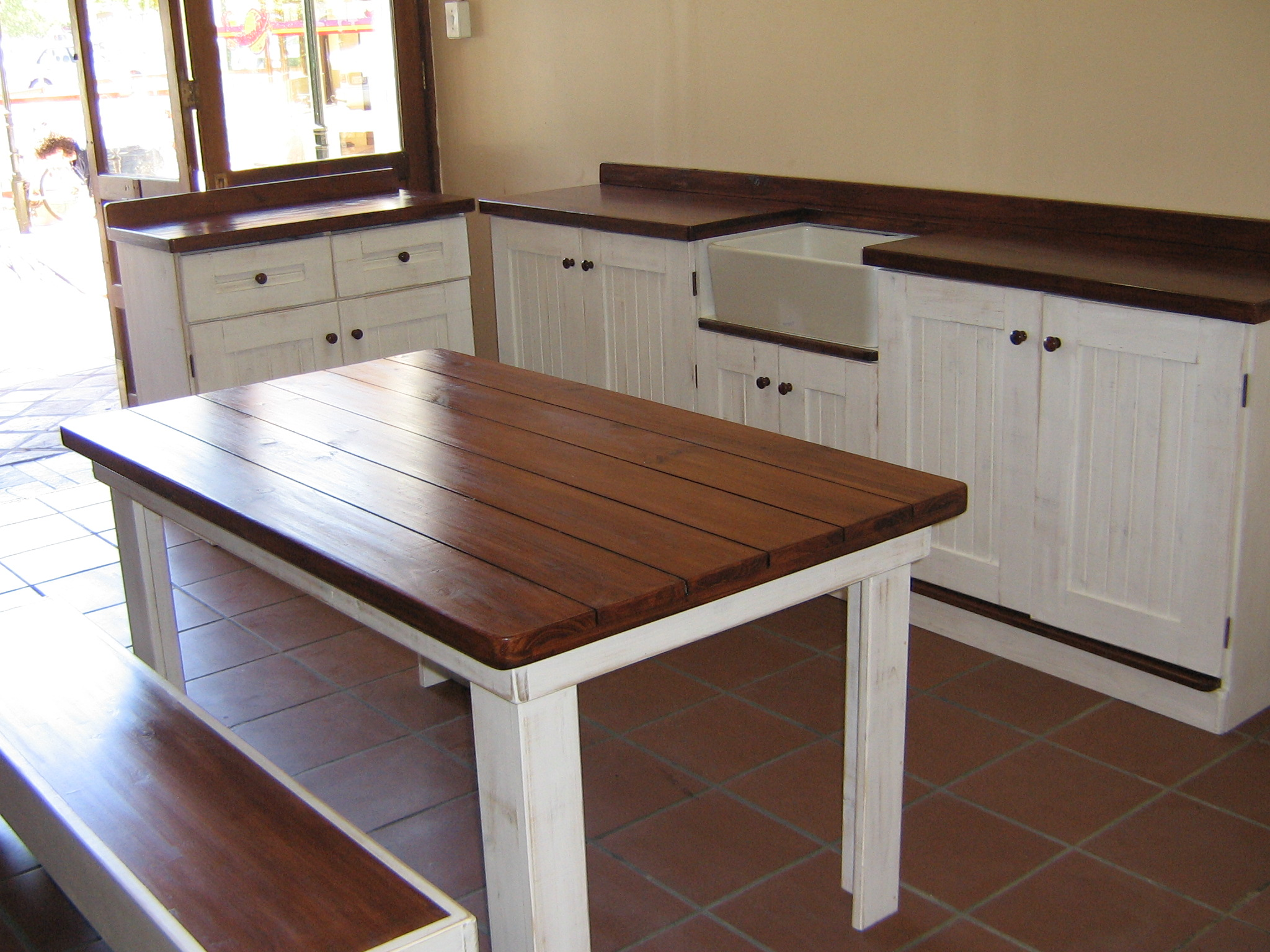 kitchen tables with benches 2017