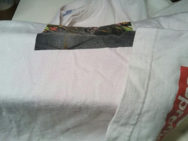 Supreme シュプリーム Tシャツ 家庭洗濯での 色移り by 下町、東京都江東区亀戸の会員制クリーニングベレーナ