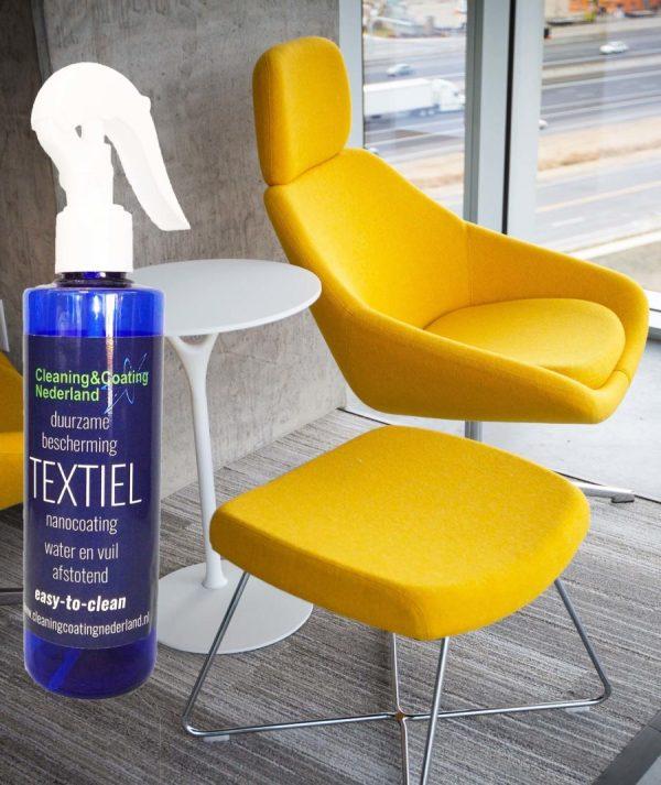 nanocoting textiel en een gele stoel