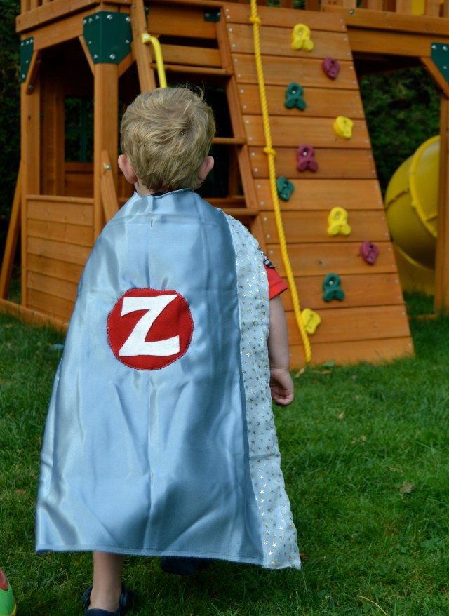 easy super hero cape - action shot