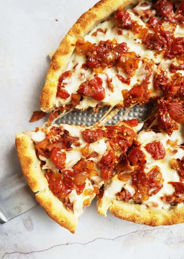 keto deep dish pizza slices