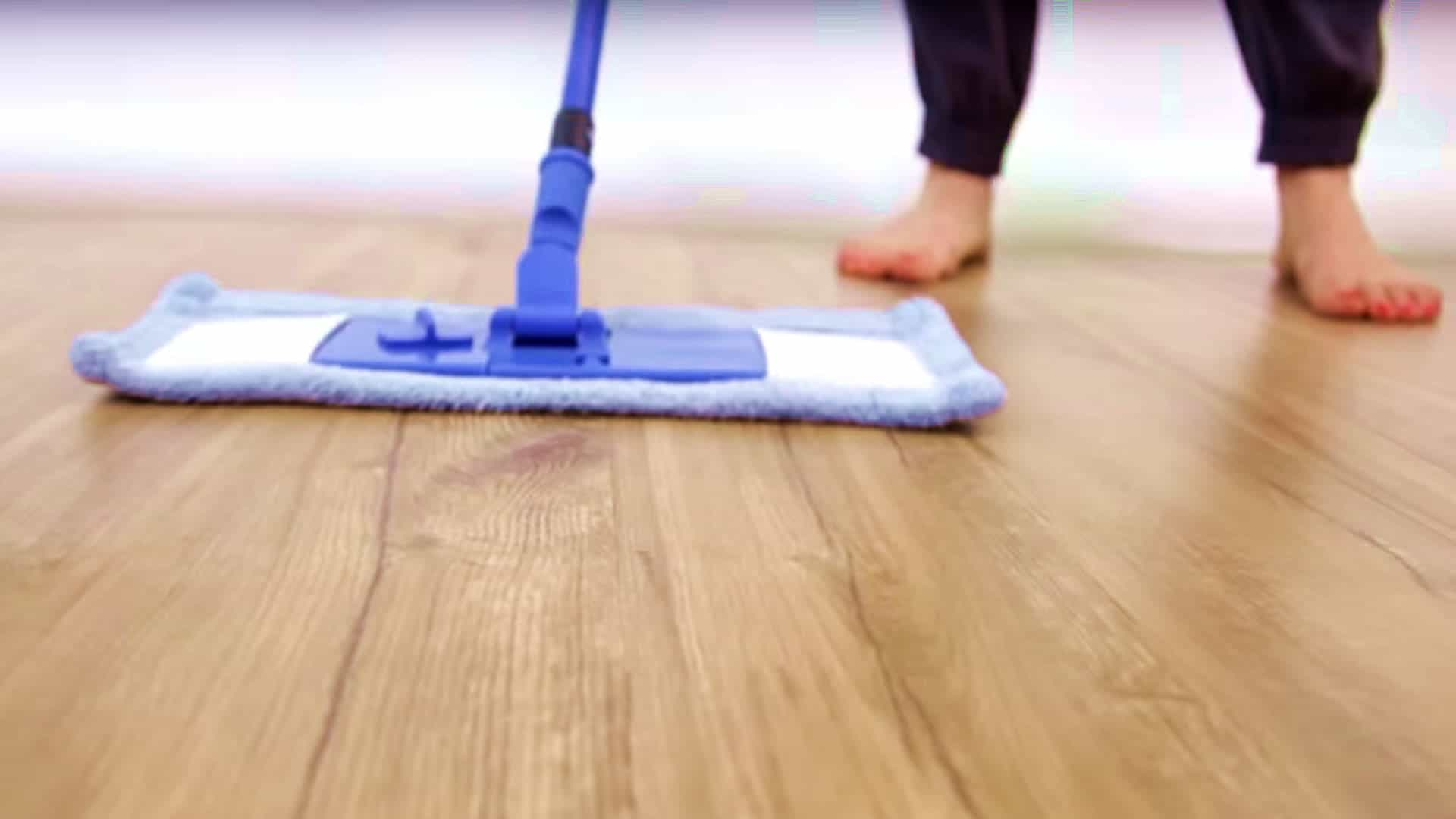 Laminate Floor Cleaner  Day 9  31 Days of DIY Cleaners