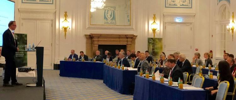 Chairman Uwe Vogel spricht auf dem CleanSmoke Coalition Congress