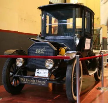 Henry Ford S Wife Wouldn T Drive Ford Model T Kept Her