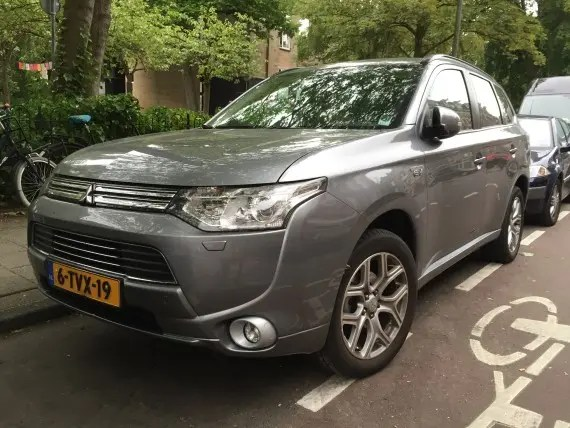 Mitsubishi Outlander Plug In Netherlands 5